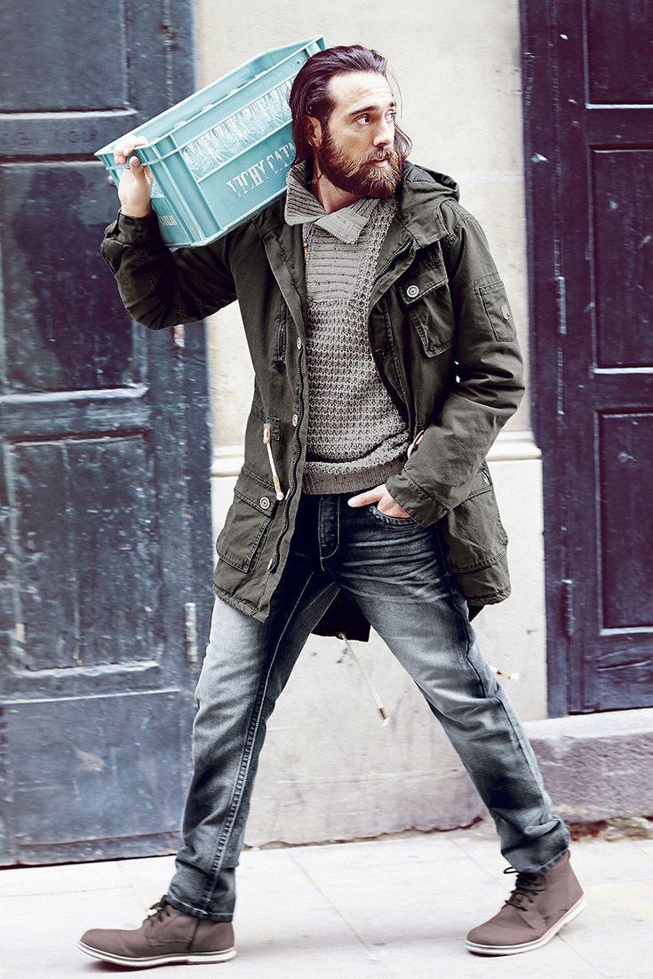 Timezone – lässige Mode für Männer.  Seit 1993 begeistert Timezone modebewusste Männer  mit stylischer Freizeitmode. Auch für die Herbst- und  Winterzeit hat das Fashion-Label wieder einige Highlights  im Programm: Ob Parka, Straight-Jeans oder Strick- Troyer – wir lieben den kompletten Look und möchten ihn  Euch natürlich nicht vorenthalten.