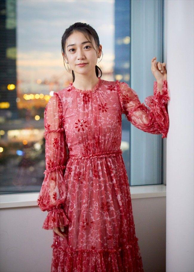 大島優子 20代は 試練と壁しかなかった 30代で迎えた意識の変化 2020年1月4日 写真 エンタメ インタビュー クランクイン akb 衣装 女性俳優 エンタメ