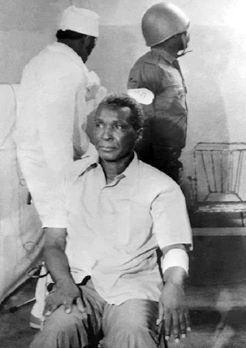#интересное  Франсиско Масиас Нгема - сумасшедший диктатор (6 фото)   Сумасшедшие люди порой находятся не в специально отведенных для этого местах, а идут в политику и управляют целыми государствами. Одним из таких сумасшедших был президент Экваториальной Гвине