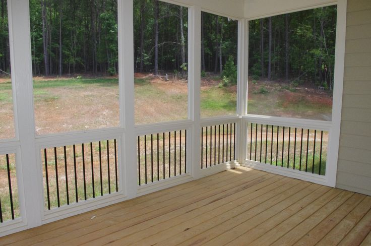 Round Black Pickets On Screened Porch Sue S House Ideas