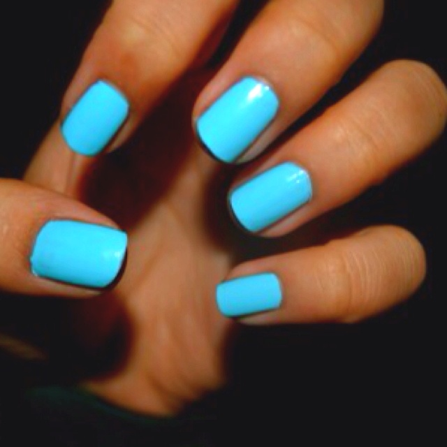 Blue Nail Polish One Finger: 1000+ Ideas About Neon Blue Nails On Pinterest