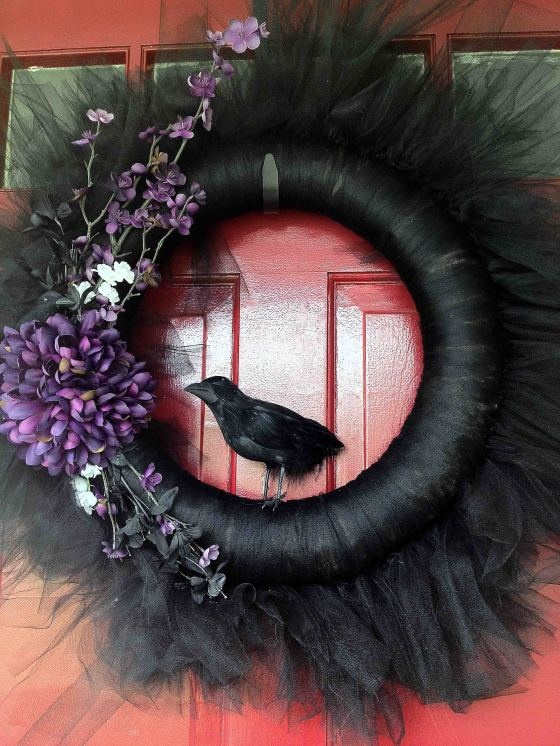 tulle artificial flowers and crow ornament