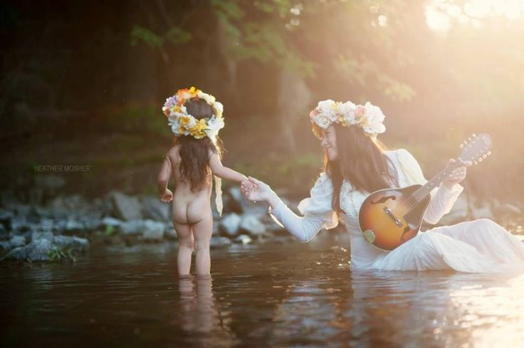 mommy and me | children photography | family photography | lifestyle photography ideas | outdoor | summer | hippie | heather mosher Photography | Daily Fan Favorite | Beyond the Wanderlust | Inspirational Photography Blog
