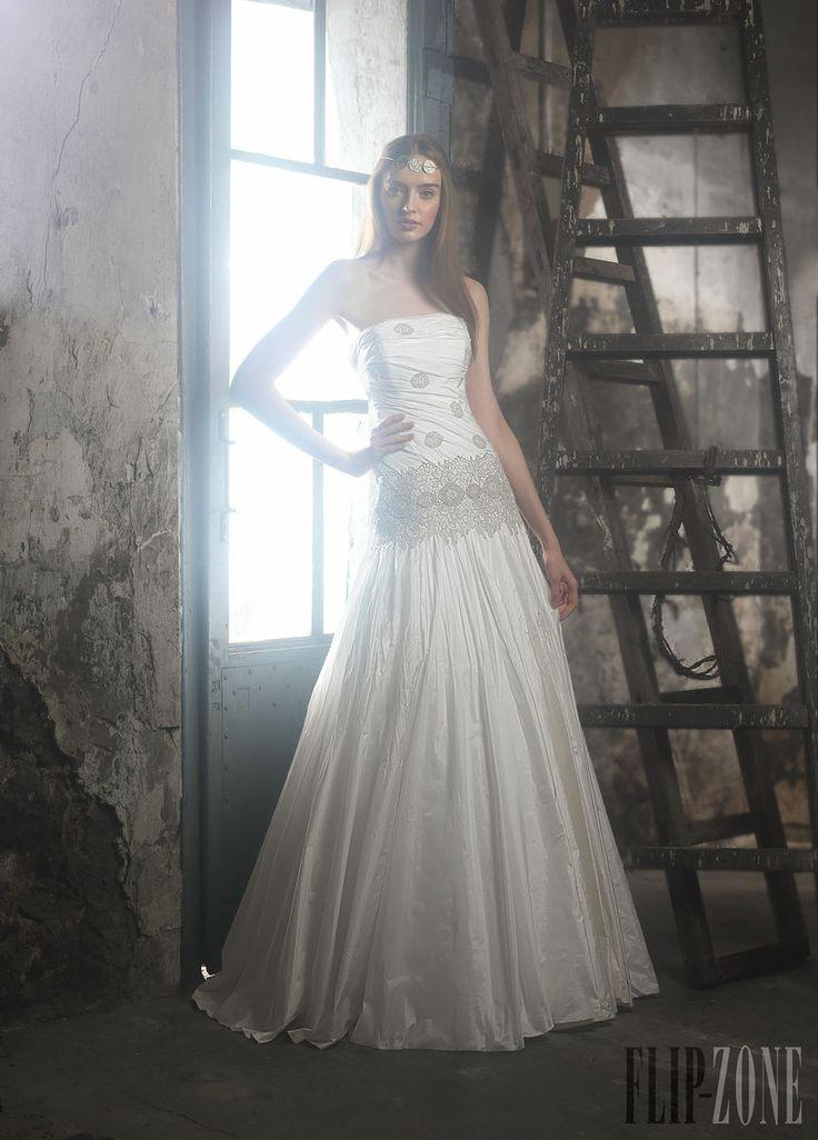 Ir de Bundó - Bridal - 2014 collection - http://en.flip-zone.com/fashion/bridal/ready-to-wear/ir-de-bundo
