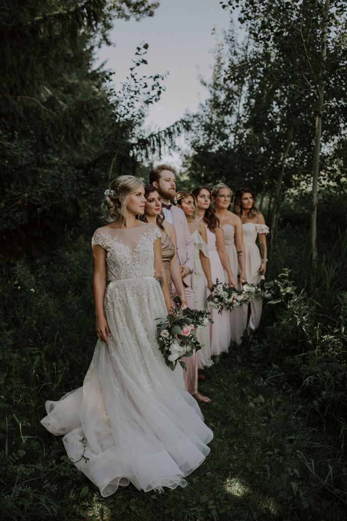 Muted Romantic Toronto Wedding At Kortright Centre Junebug Weddings In 2020 Wedding Dresses Simple Ball Gowns Wedding Wedding Gowns