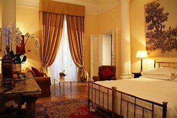 Grand Hotel Plaza, Rome, Italy