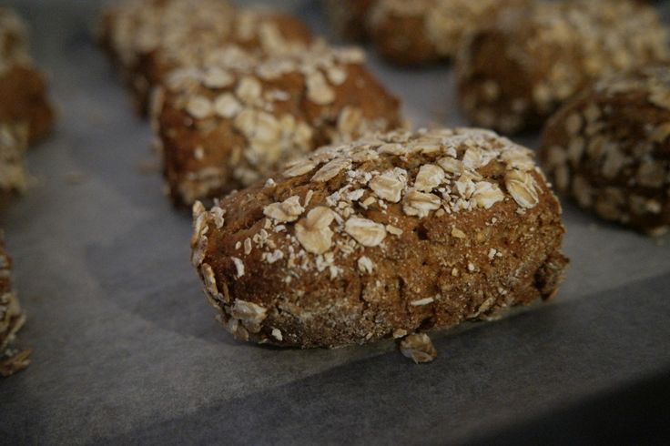 Mini rugbrød. Små rugbrøds hapsere til madpakken eller til at tage med på tur