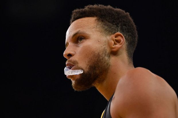 Golden State Warriors' Stephen Curry (30) chews on his mouthguard as he walks on the court while playing against the New Orleans Pelicans during the second quarter of their NBA game at the Oracle Arena in Oakland, Calif. on Saturday, Nov. 25, 2017. (Jose Carlos Fajardo/Bay Area News Group)