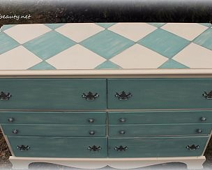 Design on top.: Paintings Furniture, Harlequin Design, Paintings Dressers, Homemade Chalk Paintings, Chalk Paintings Recipes, Harlequin Dressers, Art Is, Design Dressers, Paintings Pens