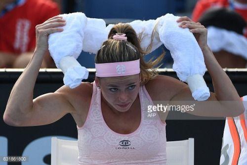 01-17 Italy's Camila Giorgi prepares to go back to play... #leikangerno: 01-17 Italy's Camila Giorgi prepares to go back to… #leikangerno
