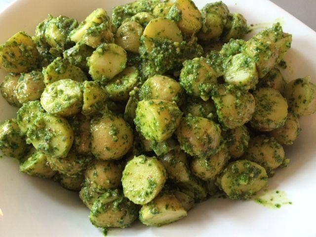 kartoffelsalat med ramsløgpesto
