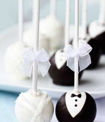 Black and white wedding cake pops. Can give this to the wedding party (Rehersal Dinner Idea) www.jaescott.com