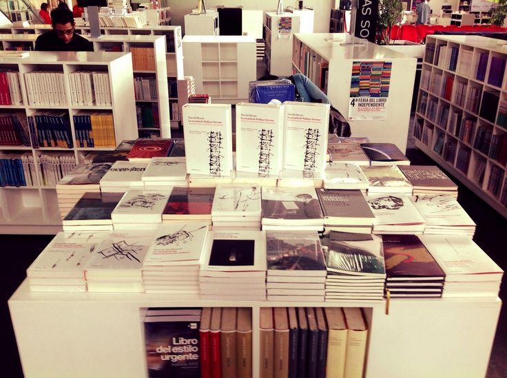 """Vaso Roto Ediciones en Librería """"Rosario Castellanos"""", Fondo de Cultura Económica, México D.F.  www.vasoroto.com"""