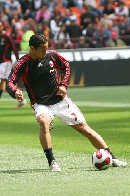 Ricardo Oliveira.
