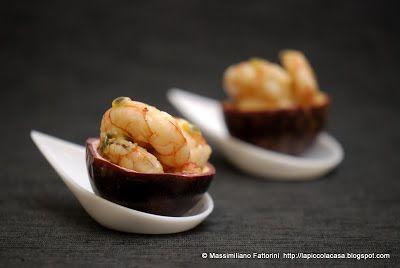 La Piccola Casa: Un finger food originale e gustoso: Gamberi marinati con passion fruits e riduzione di Bitter Campari