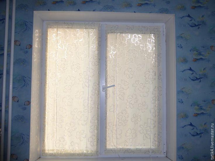 Сегодня я хочу показать несложный мастер-класс по изготовлению шторок на окно на липучках. Это альтернатива ролл-штор…
