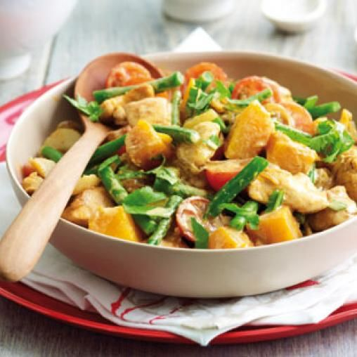Red Thai chicken and vegetable curry