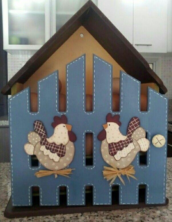 Casa de huevos. Pintura country