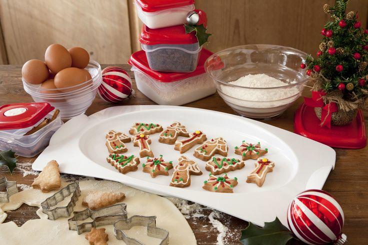 Quant'è bello sfornare biscotti nel periodo di Natale? Noi abbiamo preparato questi alla cannella servendoli con Folia vassio Luna. Sono andati a ruba! Scopri il vassoio sul sito. #BamaGroup #biscotti #FoliaVassoioLuna #cooking