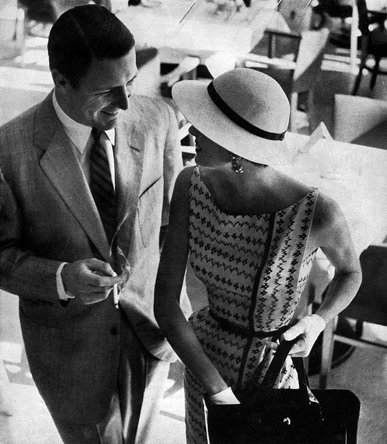 ... Bazaar (1954) - WHY do they not make dresses like this these days