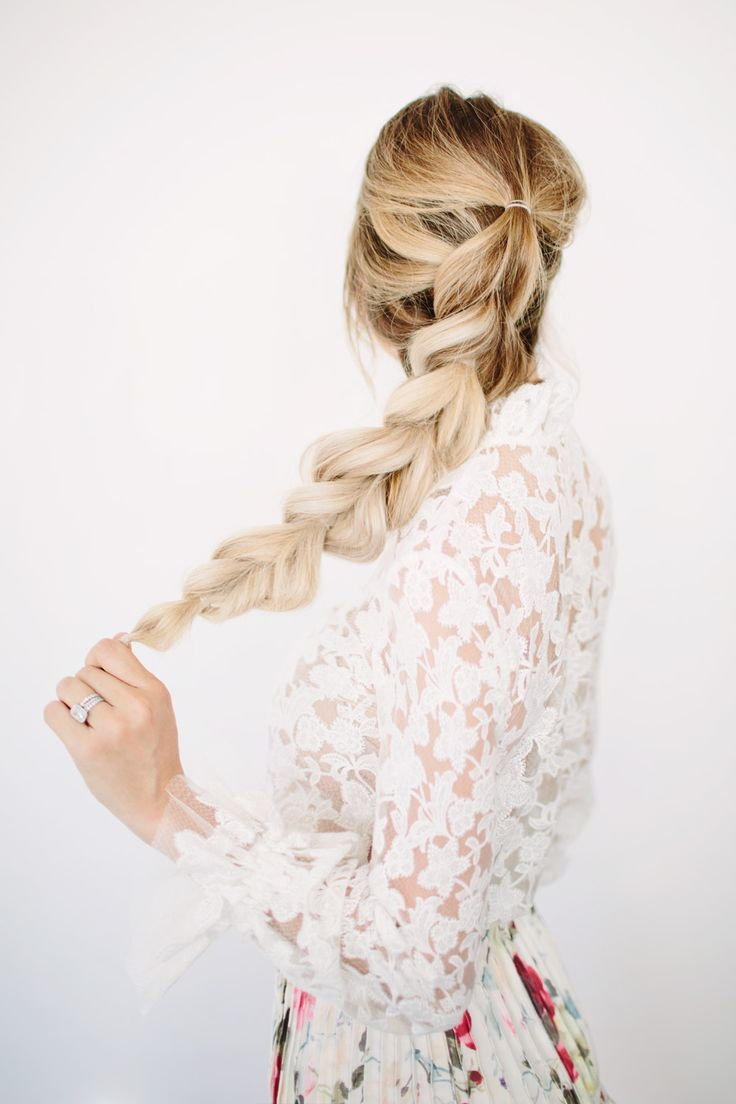 Check out this simple, easy-to-recreate pull through braid tutorial.This hairstyle is a lot easier than you think.