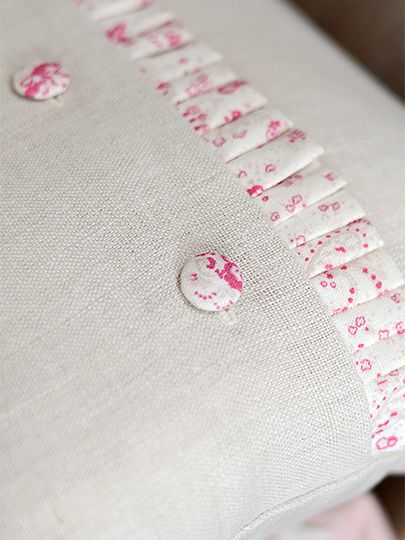 Vintage Plain Linen With Paisley Frill Cushion x
