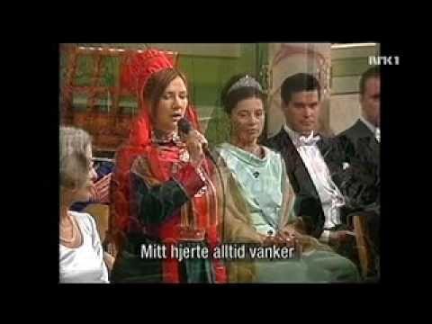 Mari Boine - Mitt Hjerte Alltid Vanker (Mu Váibmu Vádjul Doppe) - YouTube