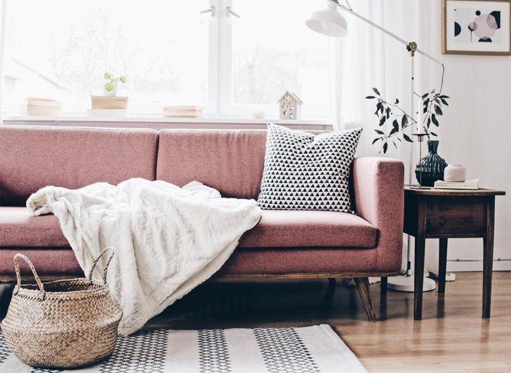 Johan bei @bohoandnordic Daheim #sofacompany_de #danishdesign #furniture #scandinaviandesign #interiordesign #furnituredesign #nordicinspiration #retrostyle #pink #Sofa