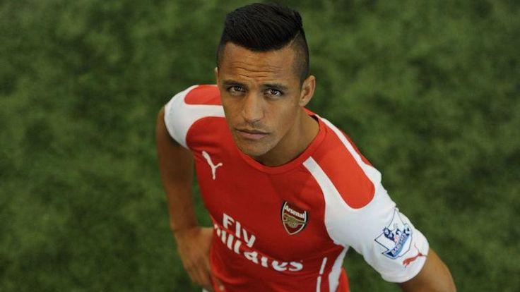 Sanchez arrives at Man Utd training ground