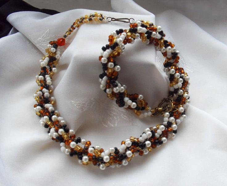Necklace with a bracelet