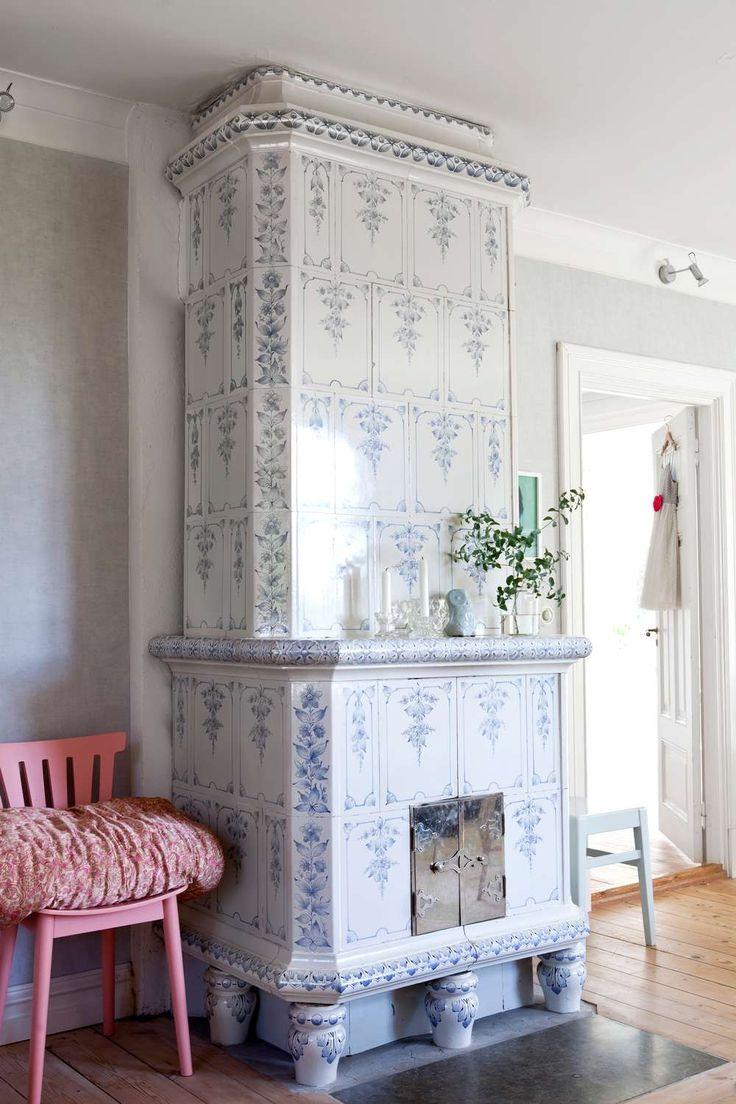 79 best Swedish kakelugn fireplaces images on Pinterest ...