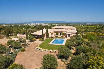 Countryside Villa For Sale In Salicos Carvoeiro Algarve | Gatehouse International Property For Sale