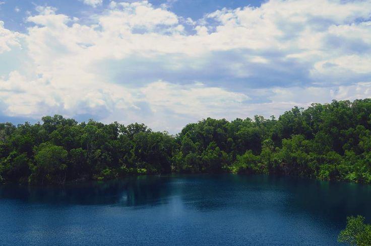 Pulau Ubin #singapore #island #sea #sky #clouds #summer #travel #instagood #photooftheday #vscocam #picoftheday #love #instadaily http://tipsrazzi.com/ipost/1507133862002027087/?code=BTqakMpl-pP