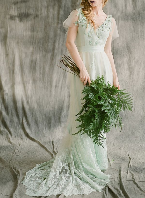 Wedding bouquet of greenery - so simple.Sylvan Quartz Crowns Inspired by Forest Fairy Tales via @limnandlovely