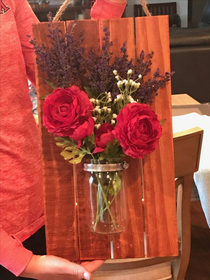 Cute diy wall decor !! Mason jar, fake flowers, wooden