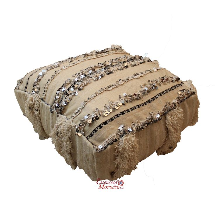 Moroccan Wedding Blanket Handira Pouf COVER Vintage Handwoven 65 cm x 65 cm x 25 cm (Ref. HP2)