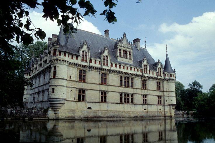 Francia, i Castelli della Loira: il Castello Azay - le - Rideau
