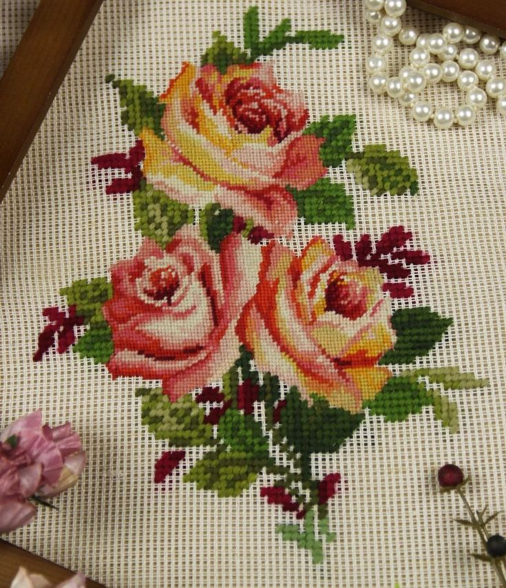 "16"" PREWORKED Needlepoint Canvas - Rose Spray Amazing Workmanship 400 Stitches"