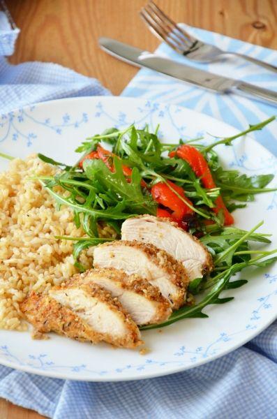 Parmezános-kakukkfüves bundában sült csirkemell  Tipikus Flammeres: Rántott hús alternatíva