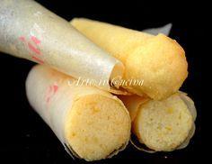 Cartucce dolci alle mandorle ricetta semplice e veloce, ricetta cartucce napoletane, piccola pasticceria napoletana, dessert per feste e buffet