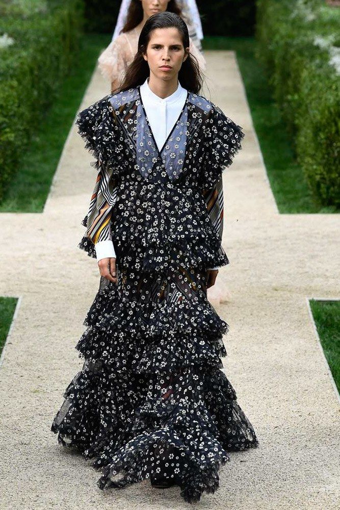 997840864ba3 Tory Burch Spring 2019 Ready-to-Wear Collection - Vogue