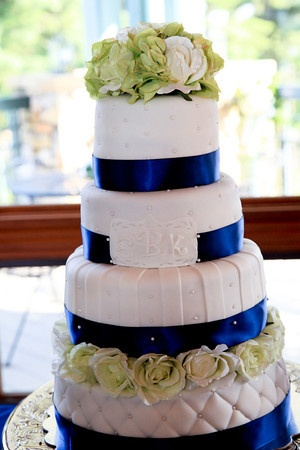 White Quilted Wedding Cake With Navy Blue And Green