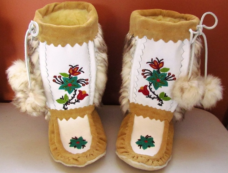 Iskwew Beadworks - Home. Laurie Smith in my hometown makes great mukluks and mitts