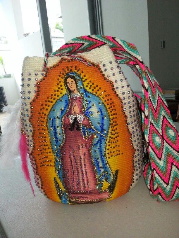 Virgen pintada a mano y intervenidas con cristales DMC