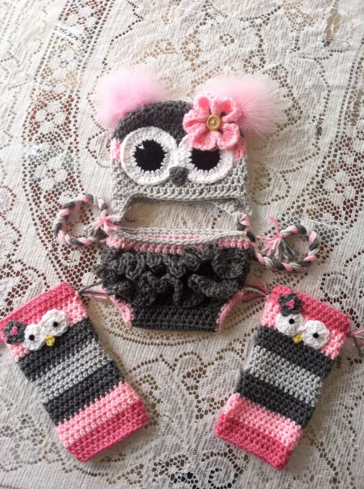 Size 612 month  owl hat diaper cover and leg warmer por MarysMoxee, $55,00
