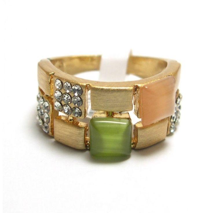 jer de piedras y brillantes en color dorado de #moda