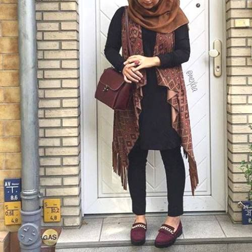 tribal long cardigan hijab style, How to get hijab trendy looks https://www.facebook.com/pages/Just-for-trendy-girls/259887160735459