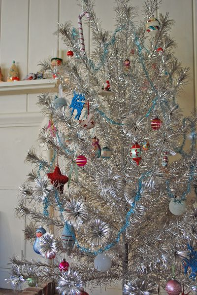 1000 Images About Christmas Tinsel Trees On Pinterest