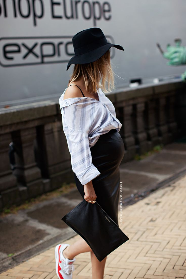 fashion guitar - cutest and most stylish baby bump