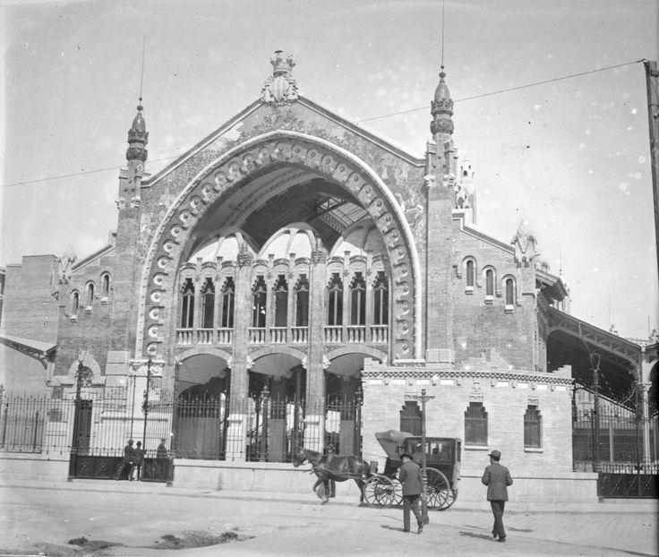 Mercado de Colón, 1917. Fotografía de José Roglá Alarte (1850-1935) Colección de fotografías de Valencia. Donación Familia Roglá